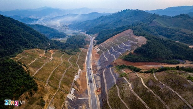 Pre-feasibility study for Hoa Binh-Moc Chau expressway requested hinh anh 1