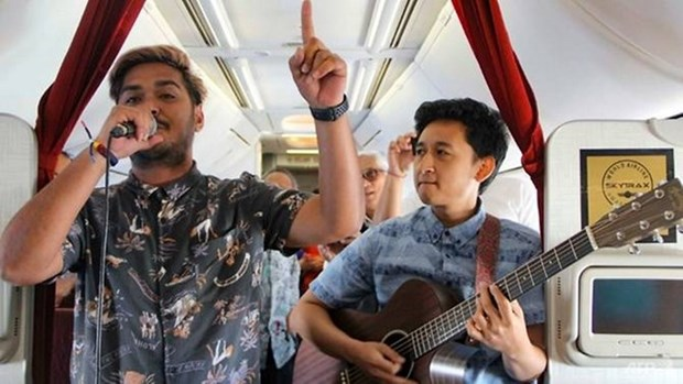 Garuda Indonesia brings live music to the sky hinh anh 1