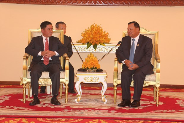 Party inspection commission officials visit Cambodia hinh anh 1