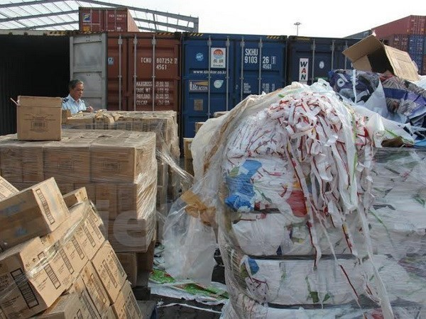 Scrap imports through road, railway border gates to be banned hinh anh 1