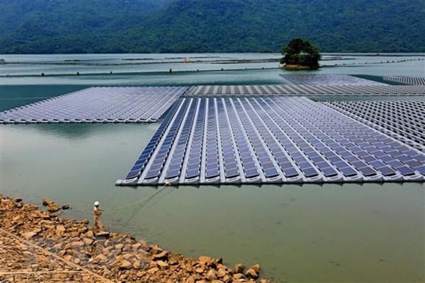 Quang Ninh installs solar panels for island residents hinh anh 1