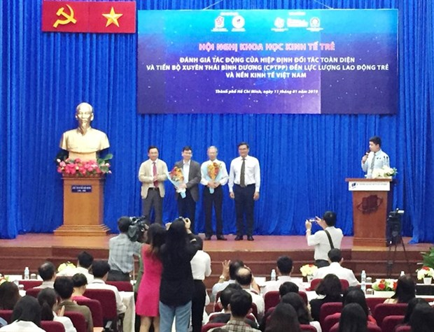 Young workers need preparation: experts hinh anh 1