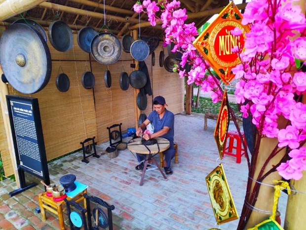 Craft villages shine in Hoi An's Tet programme hinh anh 1