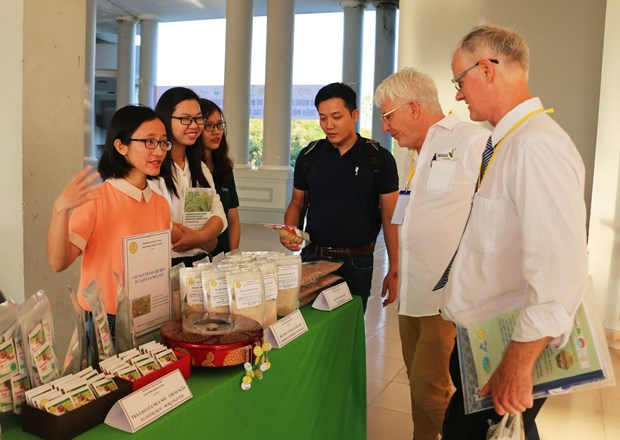 Vietnam boosts cooperation in organic agriculture with Australia hinh anh 1