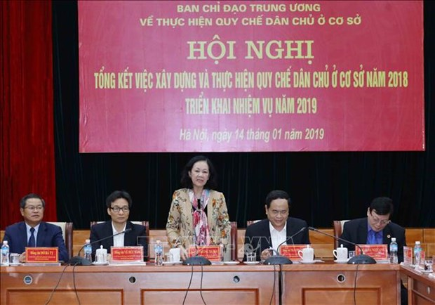 Enforcement of grassroots democracy regulations reviewed hinh anh 1