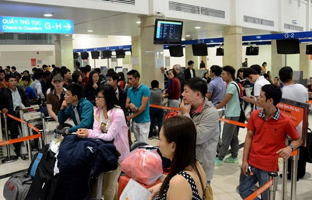 Tan Son Nhat Airport expects over 4 million passengers during Tet hinh anh 1