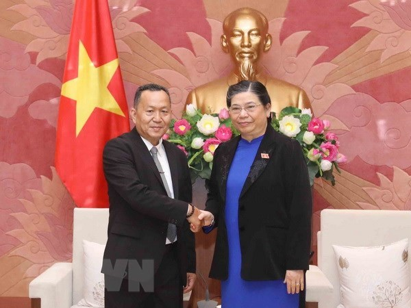 NA Vice Chairwoman receives Lao news agency delegation hinh anh 1