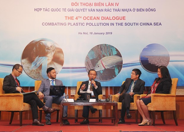 Regional dialogue discusses measures to reduce plastic waste in East Sea hinh anh 1