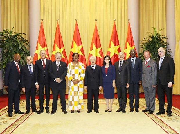 Top leader welcomes newly-accredited ambassadors hinh anh 1