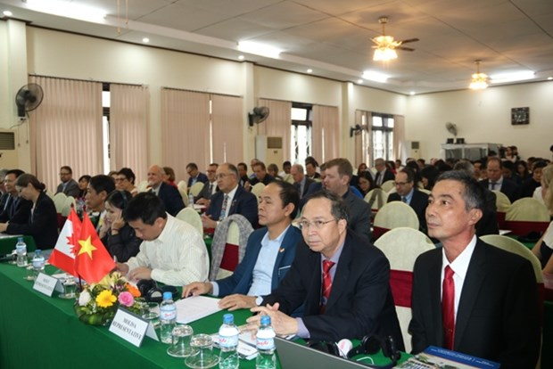 Conference talks measures to boost Vietnam-Canada education partnership hinh anh 1