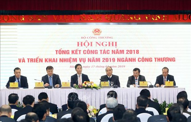 PM: industry-trade sector must speed up reform process hinh anh 1