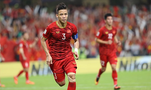 Vietnam beat Yemen 2-0, hopeful for berth in AFC Cup knockout stage hinh anh 2