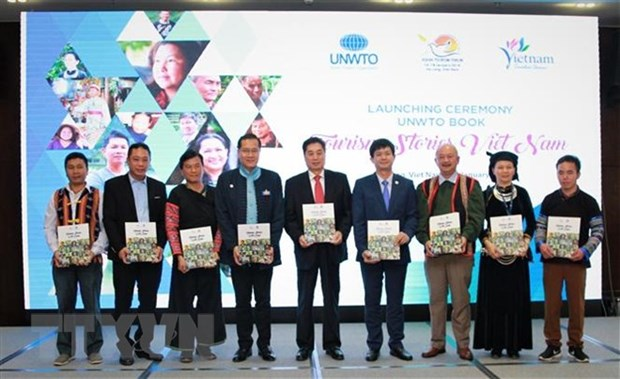 Book 'Tourism Stories – The Vietnam Edition' launched hinh anh 1