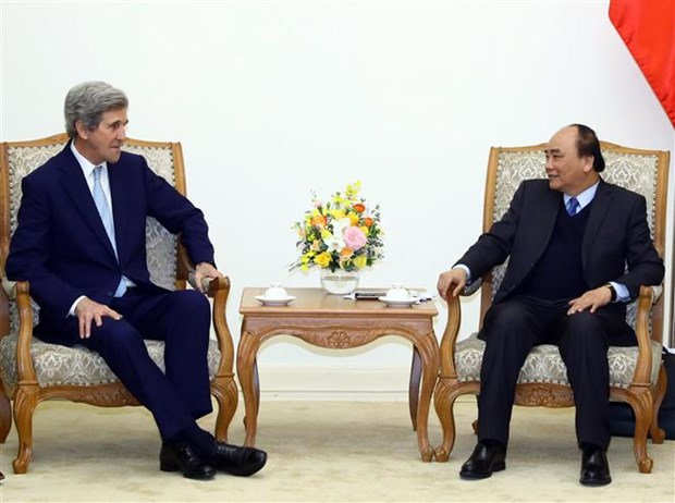 PM receives former US Secretary of State John Kerry hinh anh 1