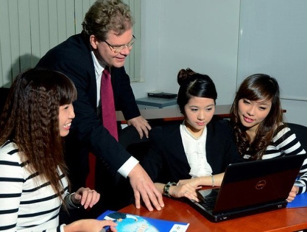 Vietnam ranks 18th in world for expat careers: HSBC survey hinh anh 1