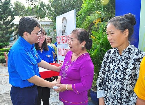 2019 National Volunteer Year launched hinh anh 1