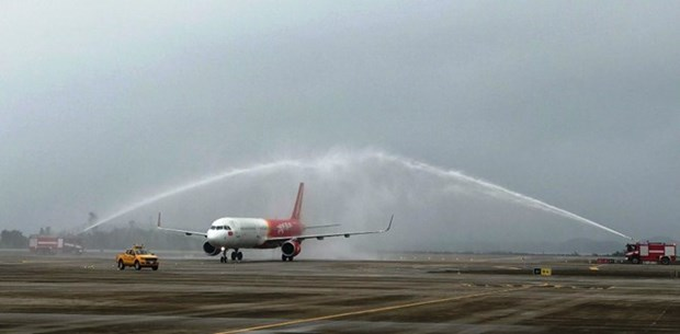 Vietjet Air inaugurates HCM City – Van Don route hinh anh 1