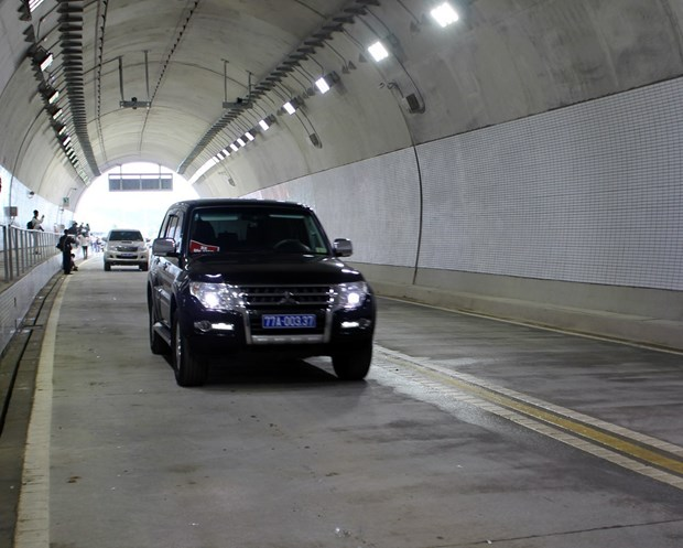 Cu Mong tunnel opened to traffic hinh anh 1