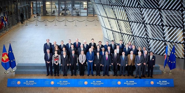ASEAN, EU pledge to strengthen comprehensive ties hinh anh 1