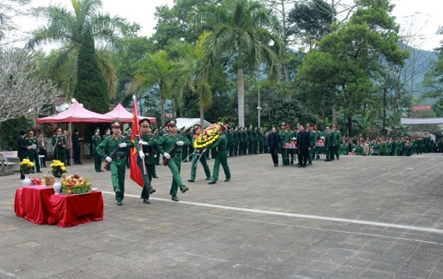Remains of 11 unknown martyrs reburied in Ha Giang's cemetery hinh anh 1