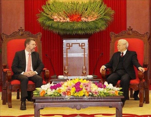 Party, State leader welcomes Australian Senate President hinh anh 1