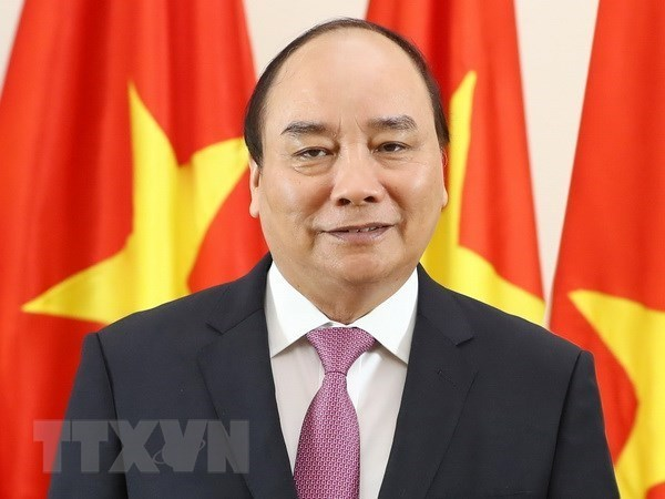 PM Nguyen Xuan Phuc leaves Hanoi for WEF Davos 2019 hinh anh 1