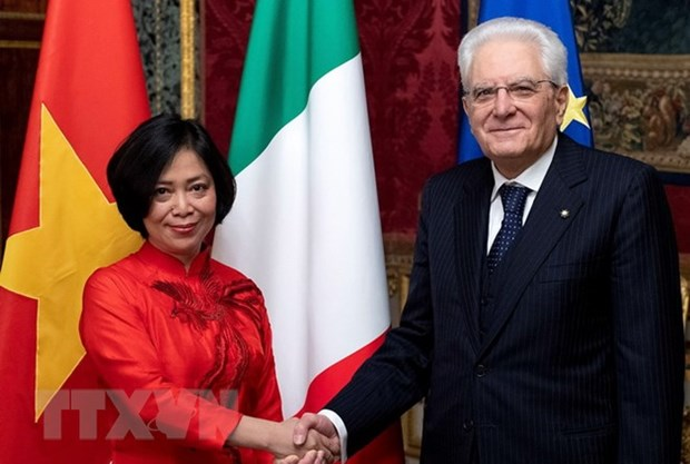 Italian President asserts treasuring ties with Vietnam hinh anh 1