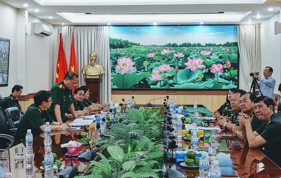 Vietnam, Cambodia military hospitals foster cooperation hinh anh 1