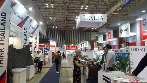 Italian investors seek to expand operation in Vietnam hinh anh 1
