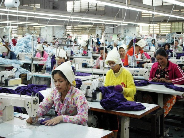 Laos cuts import tariffs on over 8,000 products from ASEAN hinh anh 1