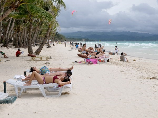 Tourist arrivals in Philippines high despite Boracay closure hinh anh 1