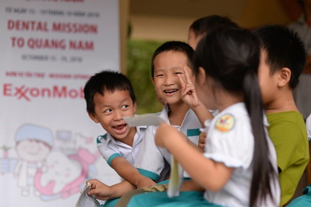 ExxonMobil pledges 80,000 USD to improve child healthcare in Quang Nam hinh anh 1