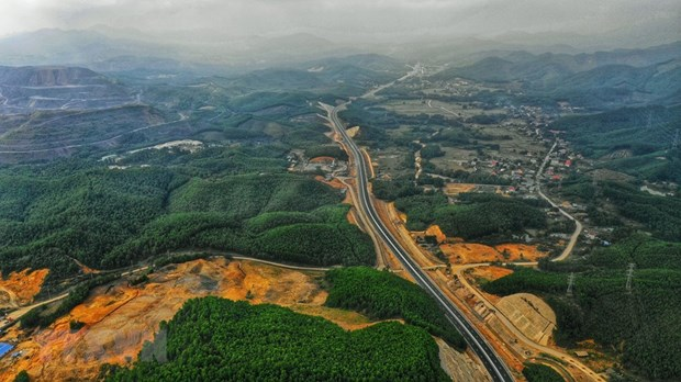 Ha Long-Van Don expressway to officially open on February 1 hinh anh 1