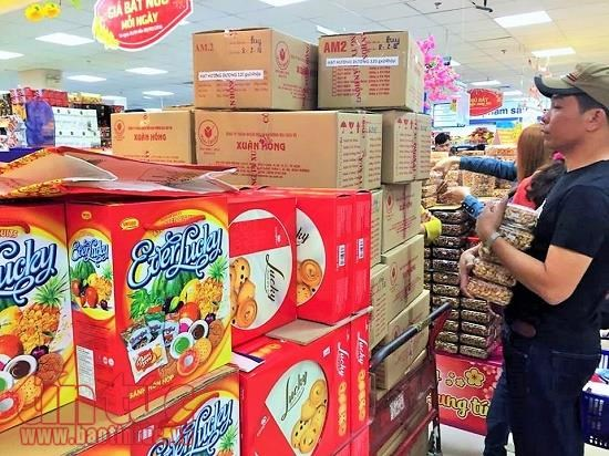 Vietnamese Tet products gaining favour with local consumers hinh anh 1