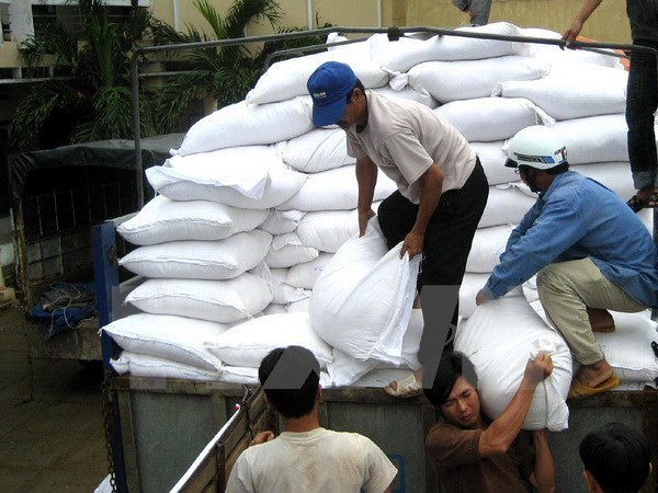 More localities get food aid ahead of Tet hinh anh 1
