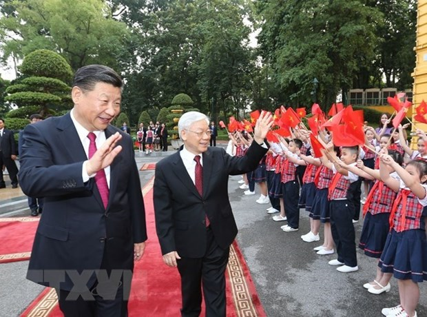 Vietnamese, Chinese leaders exchange New Year greetings hinh anh 1