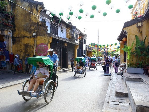 Vietnam targets 18 million foreign holiday-makers in 2019 hinh anh 1