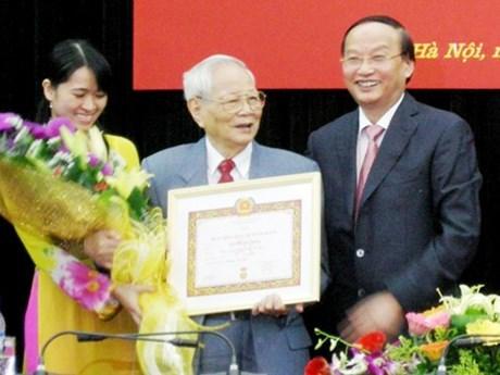 Former Politburo member Nguyen Duc Binh passes away hinh anh 1
