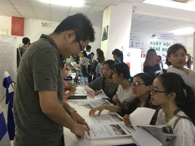 More jobs expected as firms relocate from China to Vietnam hinh anh 1