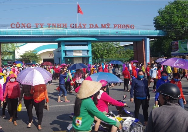 Over 10,000 footwear workers in Tra Vinh sacked before Tet hinh anh 1