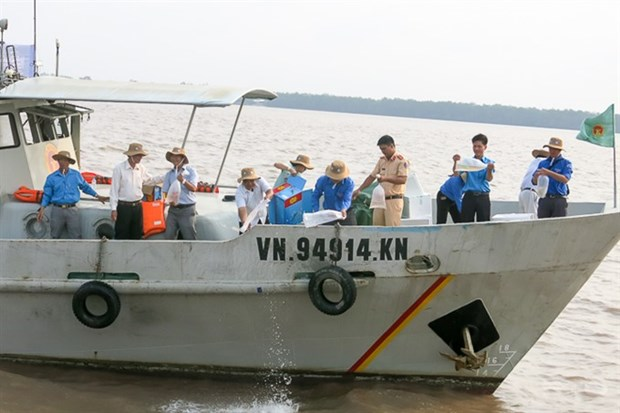 Soc Trang protects marine fish stocks hinh anh 1