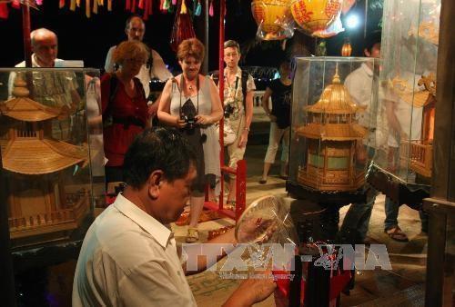 50 villages, establishments register to attend 2019 Hue craft festival hinh anh 1