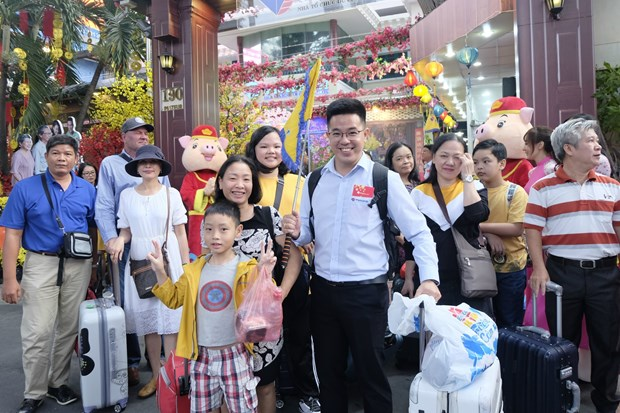 HCM City: tourism market bustling on Lunar New Year festival hinh anh 1