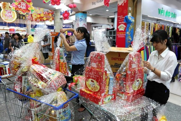 Supermarkets keep stable prices for Tet hinh anh 1