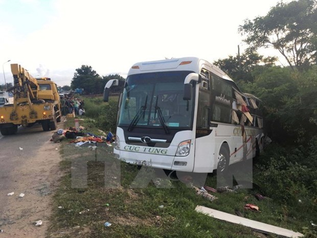 Traffic accidents kill 15 on first day of Tet hinh anh 1