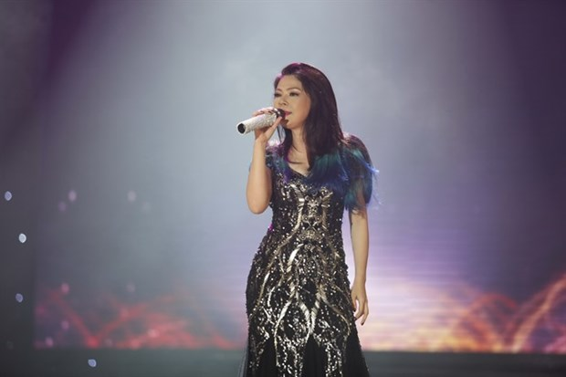 Pop star Thanh Thao to stage show in US hinh anh 1