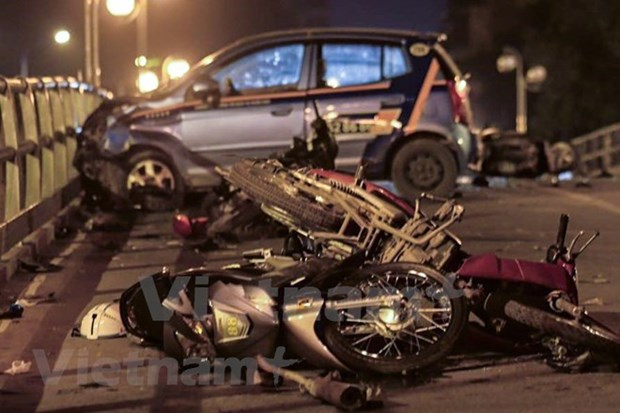 Traffic accidents kill 112 people in six days of Tet hinh anh 1