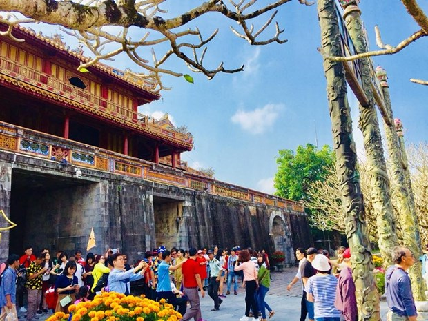 Hue ancient capital – favourite destination for tourists during Tet hinh anh 1