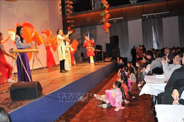 Vietnamese in Belgium celebrate Tet festival hinh anh 1