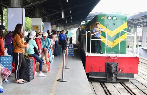 Transport activities in full swing during Tet hinh anh 1